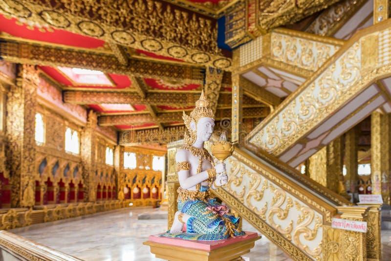 Thailändsk ängelskulptur fotografering för bildbyråer