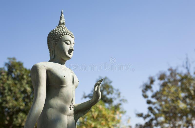 Thailändsk buddismstatystil arkivfoto