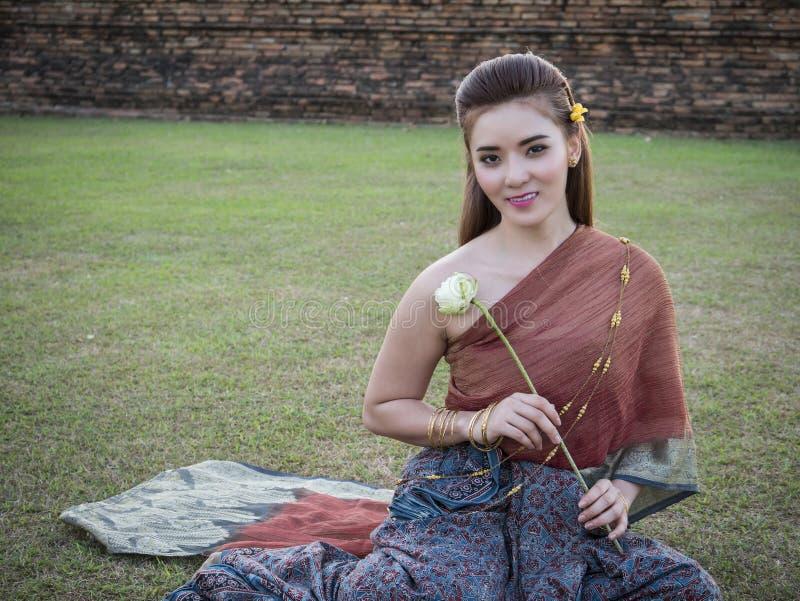 Thailändsk klänning 1 arkivbilder