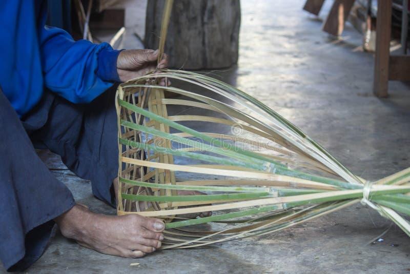 Thailändsk korg arkivbild