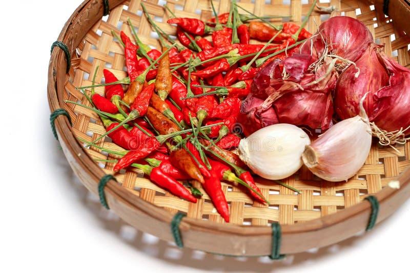 Thailändsk krydda på korg arkivfoton