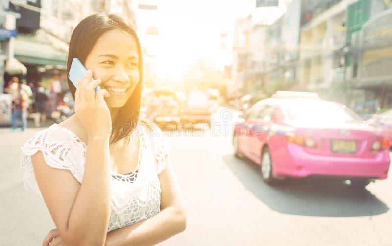 Thailändsk kvinna i Bangkok arkivfoto
