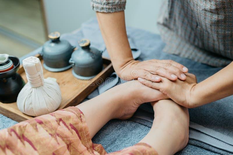 Thailändsk massageserie arkivbild