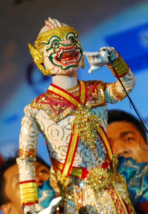 Thailändsk puppetry som är bekant som hunlakhon le royaltyfria foton