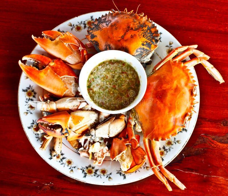 Thailändsk skaldjur, ångad krabba med kryddig sås 5 royaltyfria bilder