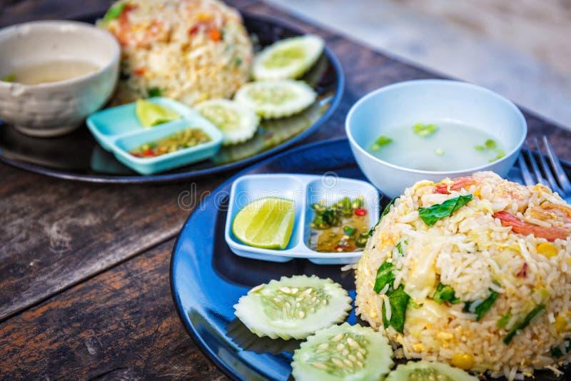 Thailändsk smaklig kokkonst arkivbilder