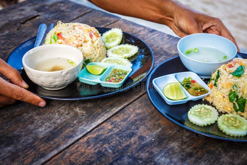 Thailändsk smaklig kokkonst arkivfoto