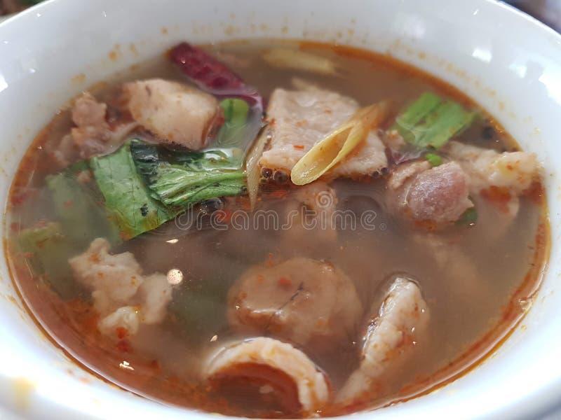 Thailändsk soupTom sötpotatis arkivfoto