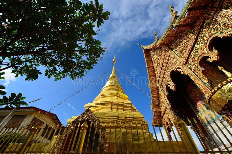 Thailändsk tempel av buddhism arkivbild