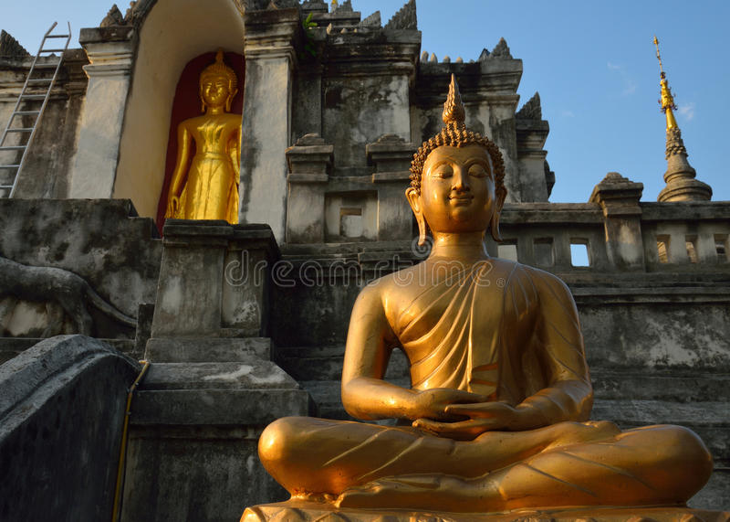 Thailändsk tempel av buddhism, Wat Phra Yuen royaltyfria bilder