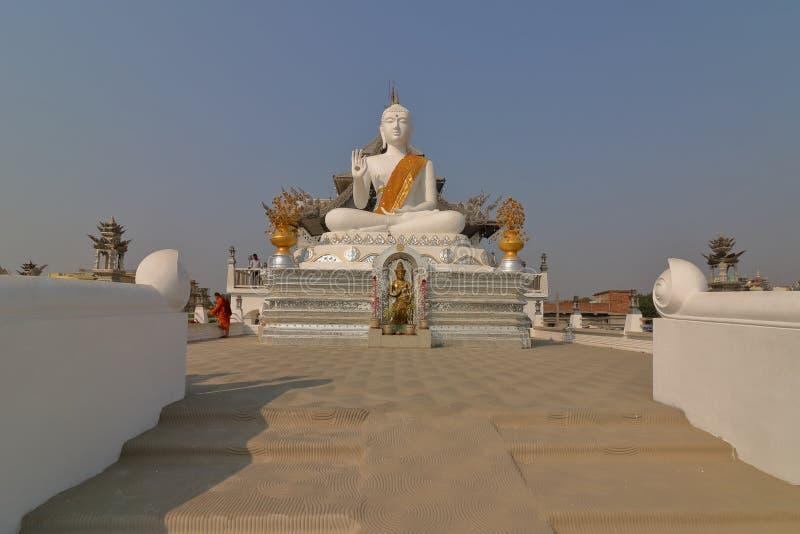 Thailändsk tempel, Bodh Gaya royaltyfri fotografi