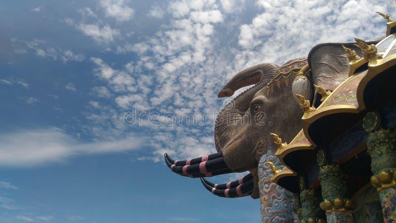 Thailändsk tempelkonst arkivfoto
