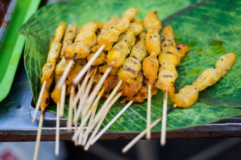 Thailändska kryddiga satay fega steknålar arkivfoton