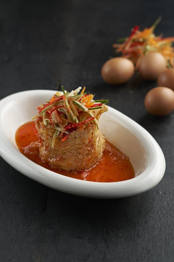 Thailändskt matägg royaltyfria foton