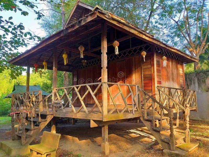 Thailändskt traditionellt hus Lanna forntida arkitektur arkivbild