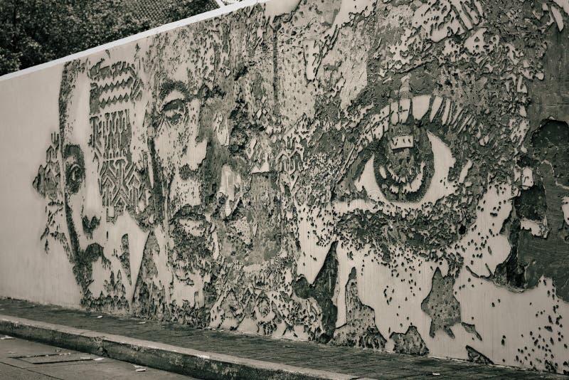 Thailand - 1 Augustus 2018: graffitimuur rond Bangrak-Road, Bangkok Thailand stock afbeelding