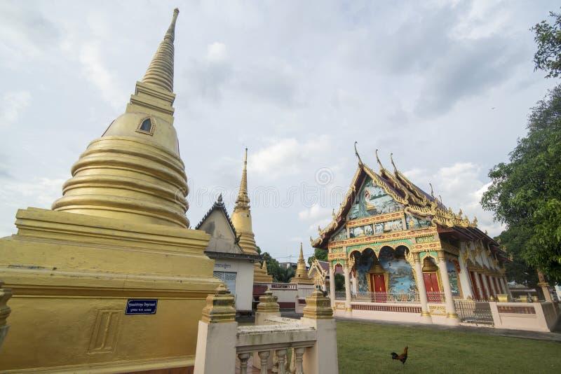 THAILAND CHANTHABURI WATERFRONT WAT BOT fotos de stock