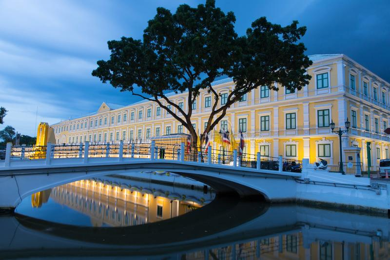 Thailand departement av f?rsvarbyggnad bangkok thailand royaltyfri bild