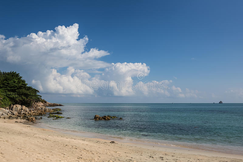 Thailand, Koh Phangan - schöner Tropeninselstrand stockfoto