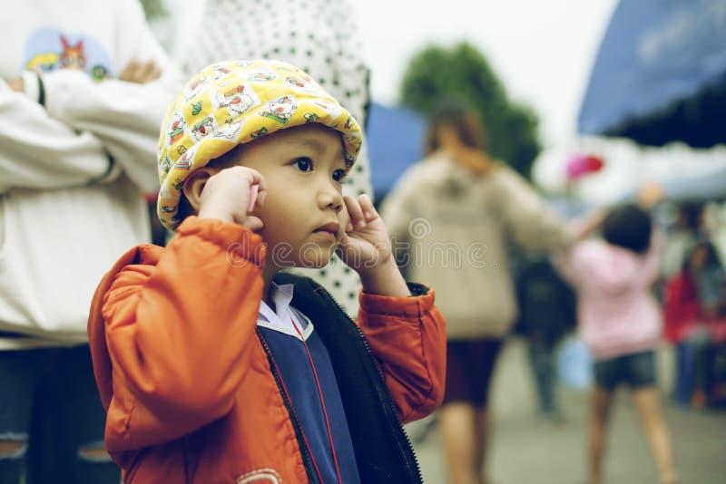 Thailand-` s nationaler Kind- ` s Tag - das Foto eines Kindes an einem Kind-` s Tag bei Saraphi - Chiangmai Thailand -13 im Janua lizenzfreies stockfoto