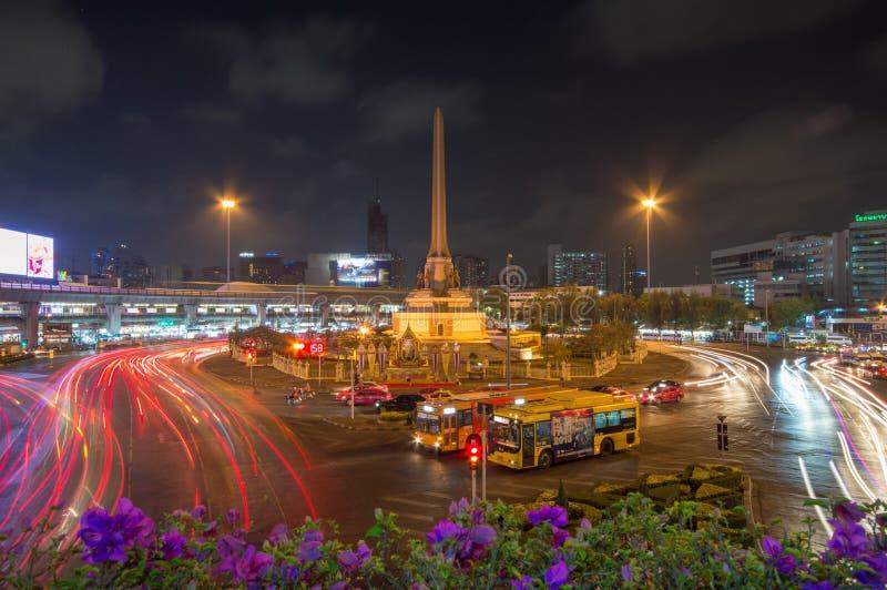 Thailand-Siegmonument, Kilometer 0and-Hauptverkehr für Straße in Bangkok, Thailand stockbild