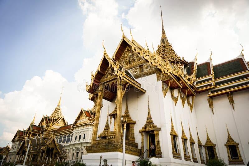 Thailand - storslagen slott royaltyfria foton