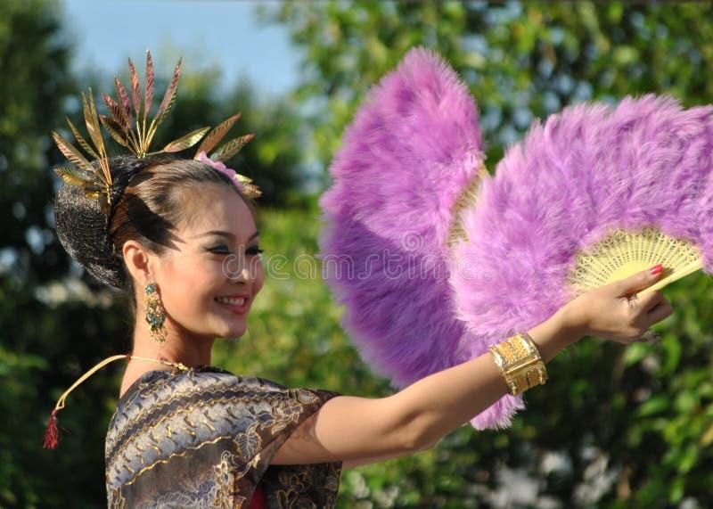 Thailandese Frautänzer lizenzfreies stockbild