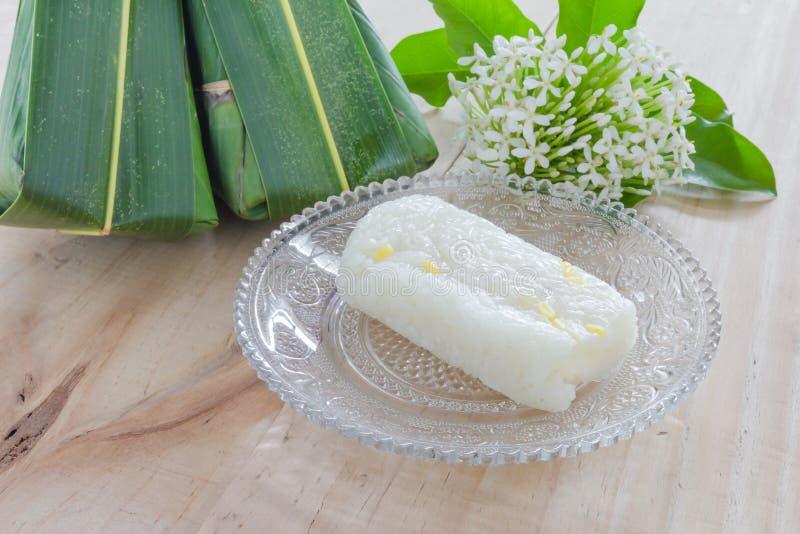 Thais dessert met Ixora royalty-vrije stock afbeelding