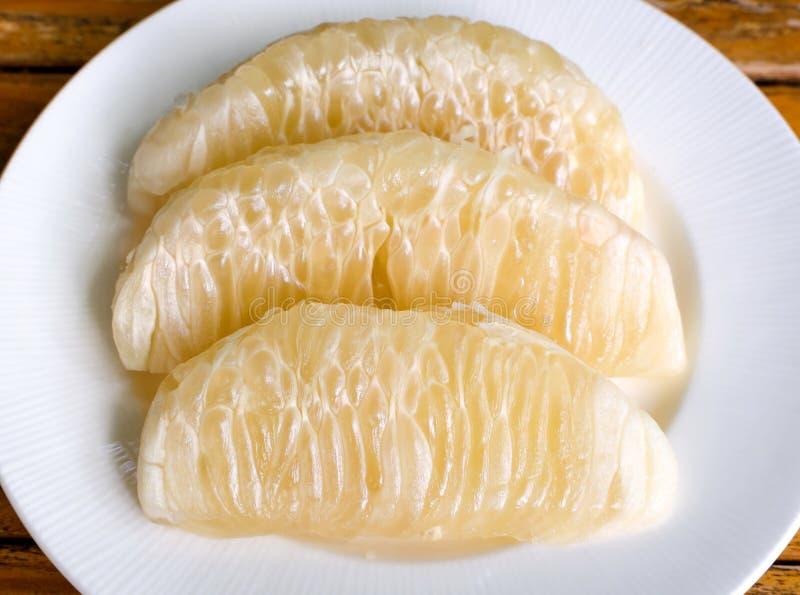 Thais Gepeld pompelmoesfruit stock fotografie