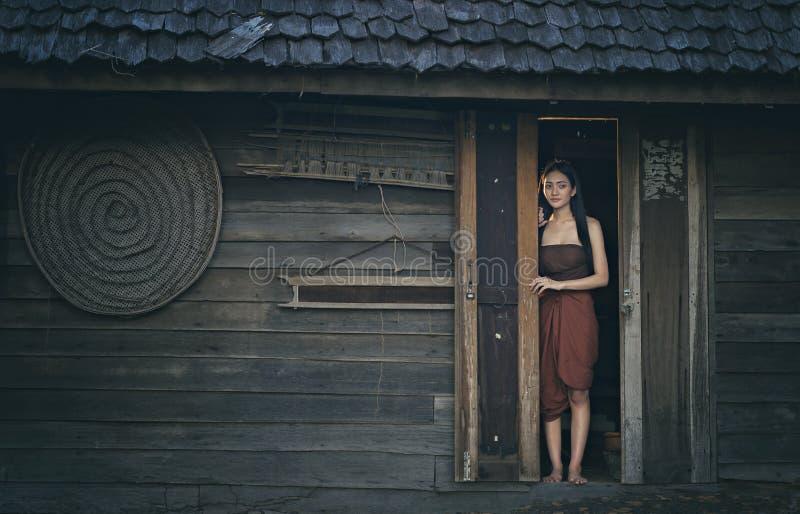 Thais spook Legendarisch Thais spook Mae Nak Phra Khanong, Thaise traditionele eenvormige kleding royalty-vrije stock afbeeldingen