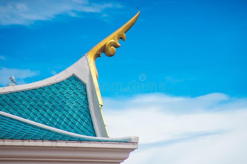 Thais stijldak van tempel royalty-vrije stock foto's