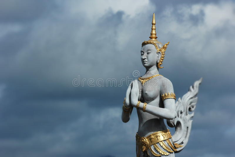 Thais stijlstandbeeld stock afbeeldingen