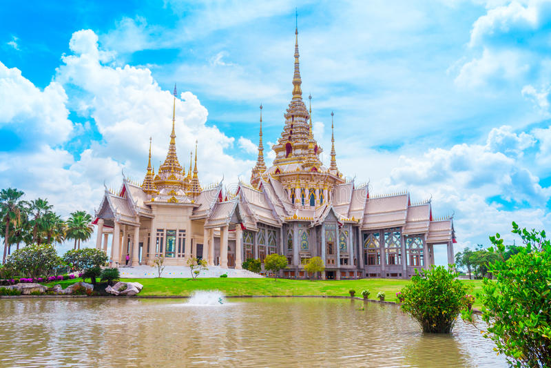 Thais tempeloriëntatiepunt in Nakhon Ratchasima, Thailand royalty-vrije stock fotografie