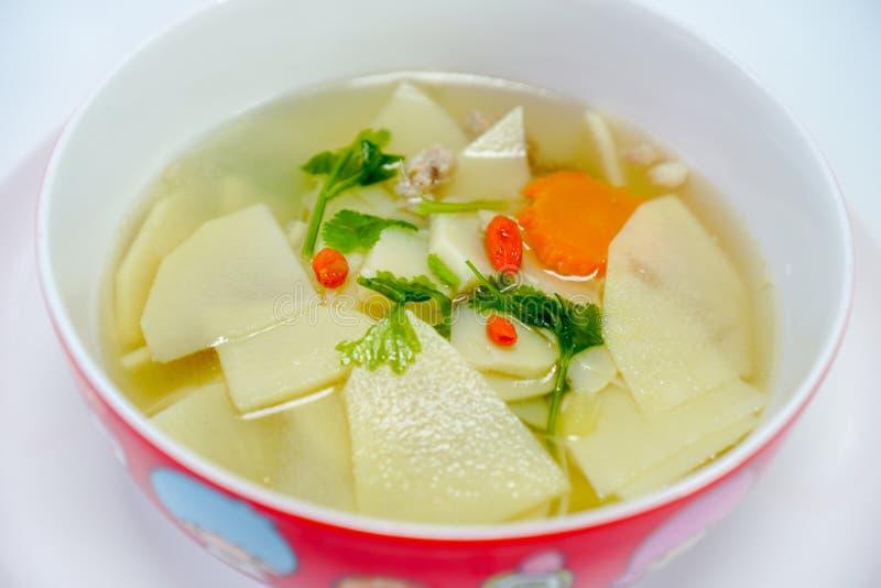 Thais Voedsel, Zoete die Bamboespruit met de Soep van varkensvleesbeenderen wordt gekookt 1 royalty-vrije stock foto