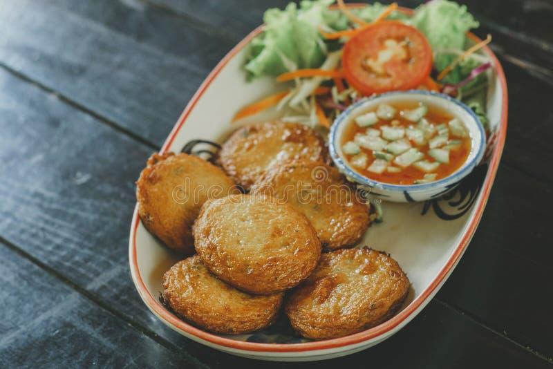 Thais Voedselviscroquetje stock afbeelding