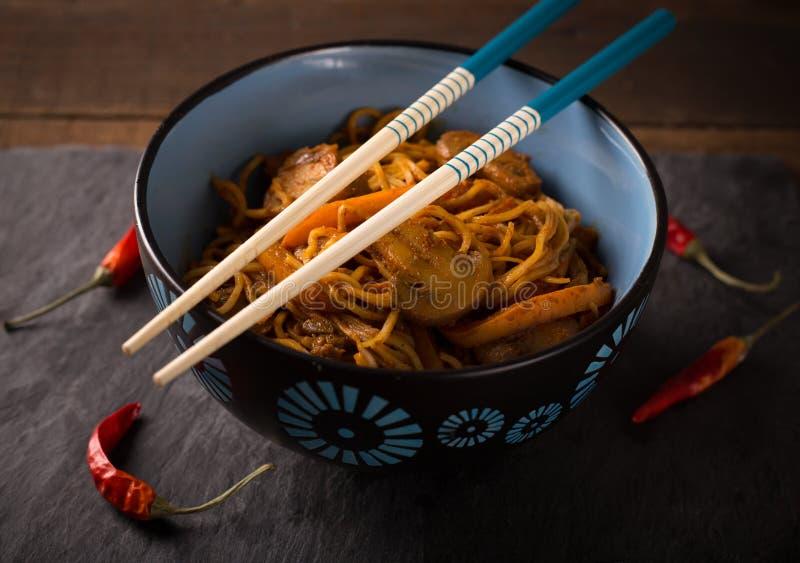 Thais wokvoedsel stock afbeeldingen