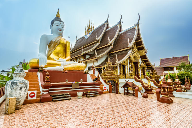 Thaise Boeddhistische Tempel in Chiang Mai, Thailand stock foto's