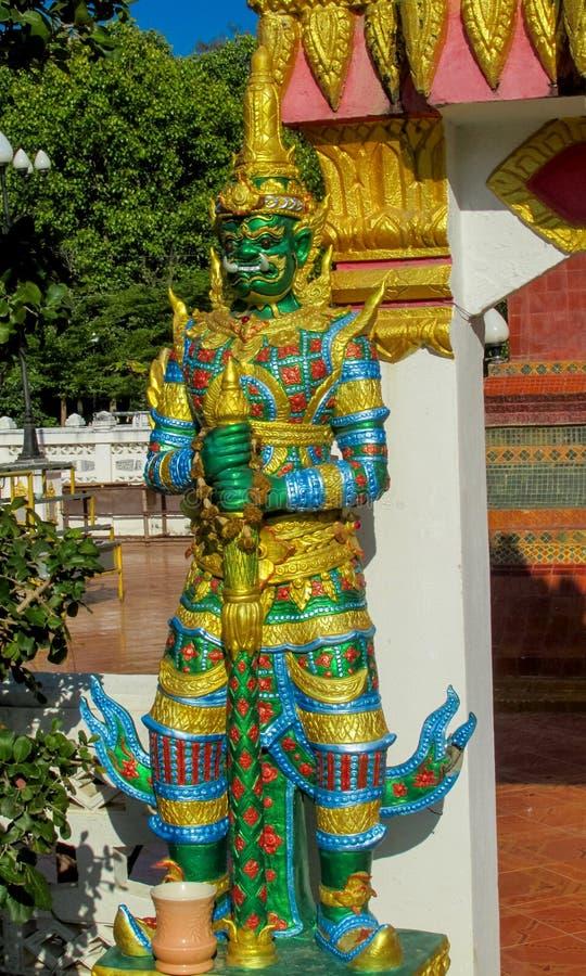 Thaise Boeddhistische Tempelwacht stock afbeeldingen