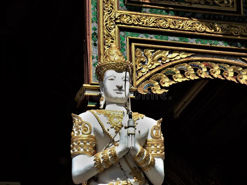 Thaise Boedha in een tempel in Chiang Rai royalty-vrije stock fotografie