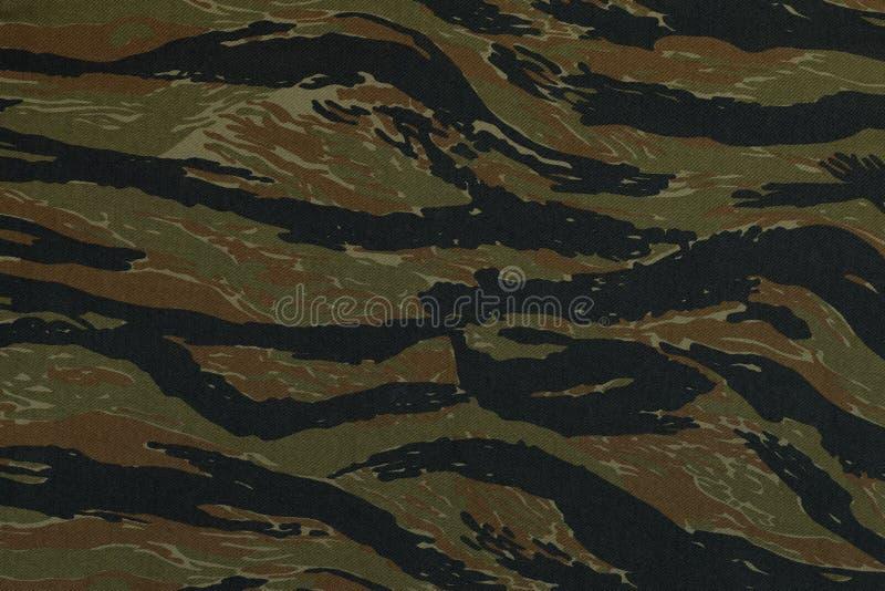 Thaise de camouflagestof van politie groene tigerstripe stock foto