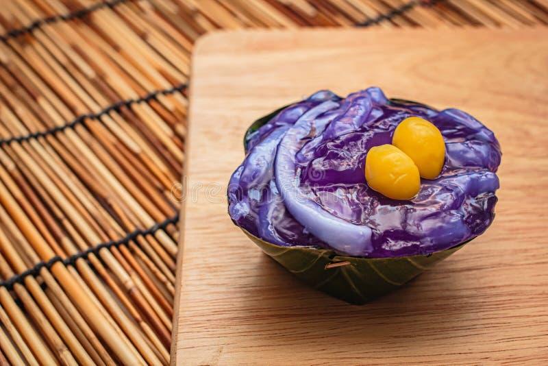 Thaise desserts in banaanblad royalty-vrije stock foto's