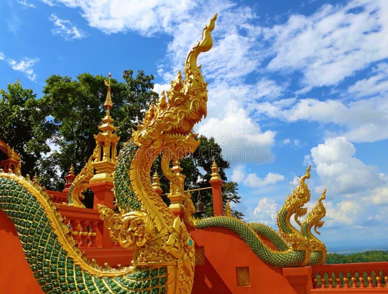 Thaise draak of koning van standbeeld Naga royalty-vrije stock foto