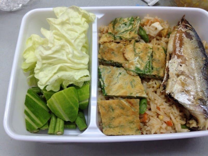 Thaise garnalendeeg gebraden rijst met makreel royalty-vrije stock afbeeldingen