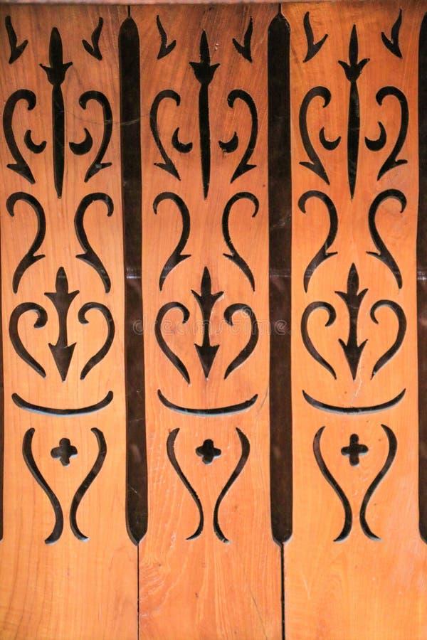 Download Thaise houten stijl stock afbeelding. Afbeelding bestaande uit verfraai - 39117559