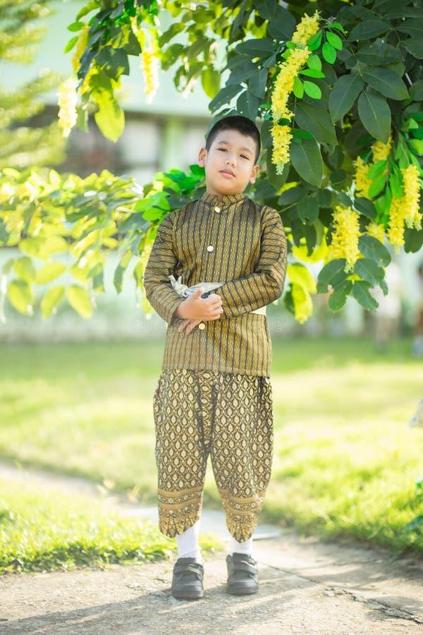 Thaise kind traditionele kleding royalty-vrije stock fotografie