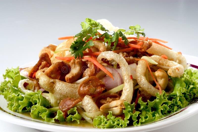 Thaise kruidige gemengde salade stock fotografie
