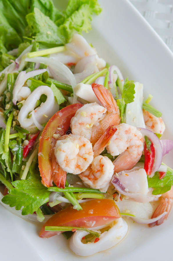 Thaise kruidige salade stock foto