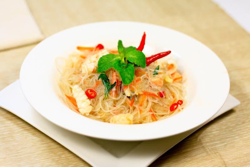 Thaise kruidige zeevruchtensalade royalty-vrije stock afbeeldingen