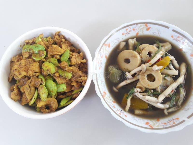 Thaise levensmiddelen, smakelijk, twee regio's uit het noordoosten en het zuiden royalty-vrije stock foto's