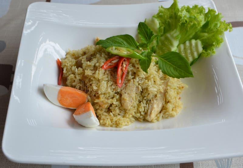 Thaise stijl groene kerrie met Jasmijnrijst en kip royalty-vrije stock afbeeldingen